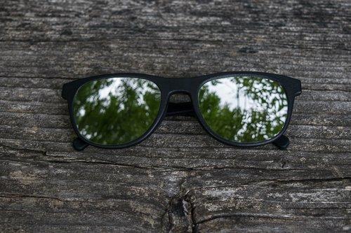 occhiali da sole specchiati Aterema