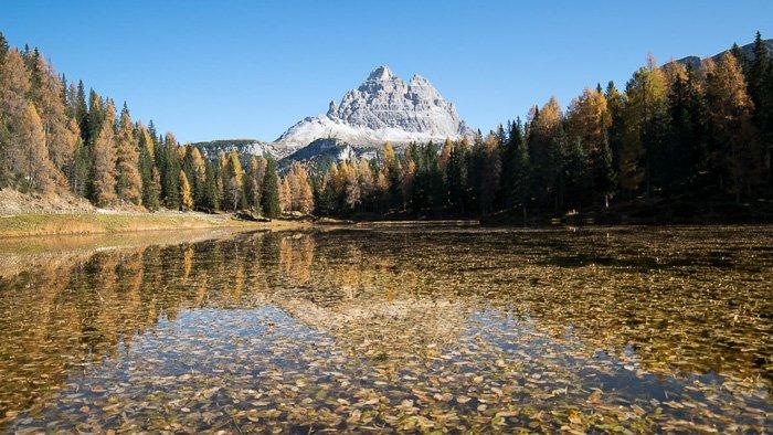 Tre Cime di Lavaredo riflesse sul lago