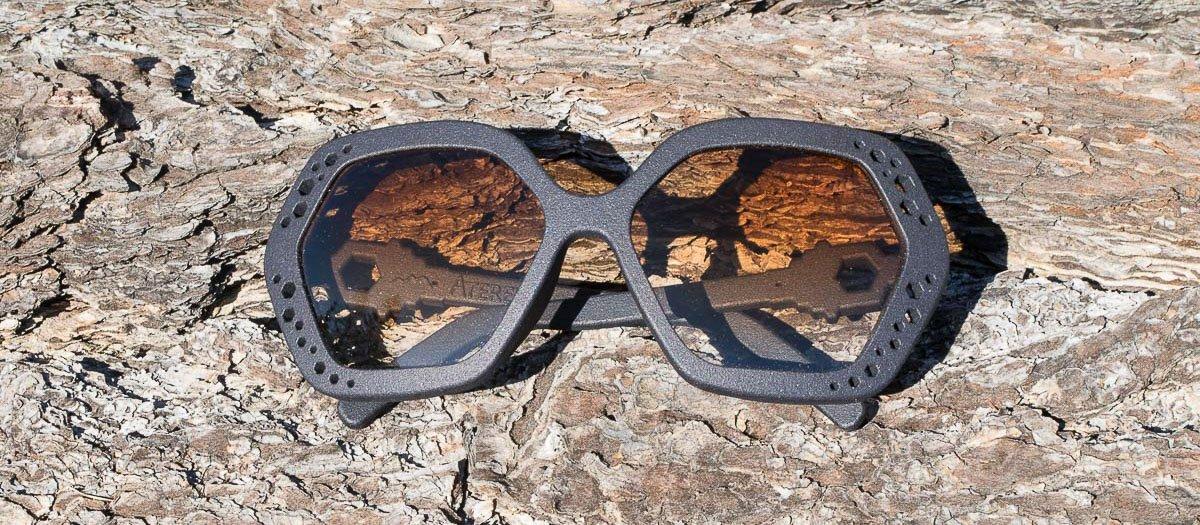 occhiali da sole esagonali