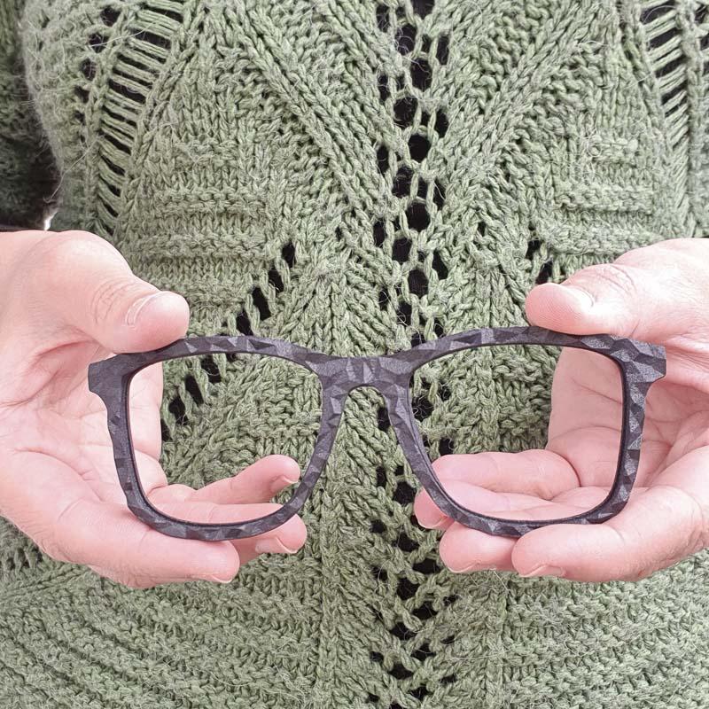 Azienda sostenibile - occhiale stampato in 3D senza lenti
