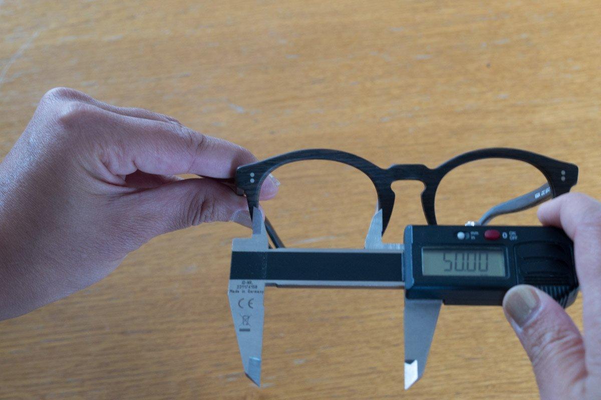 misura del calibro delle lenti degli occhiali
